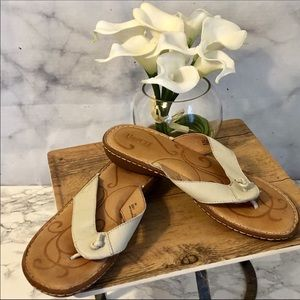 🆕 Born Cream Leather Sandals Size 9